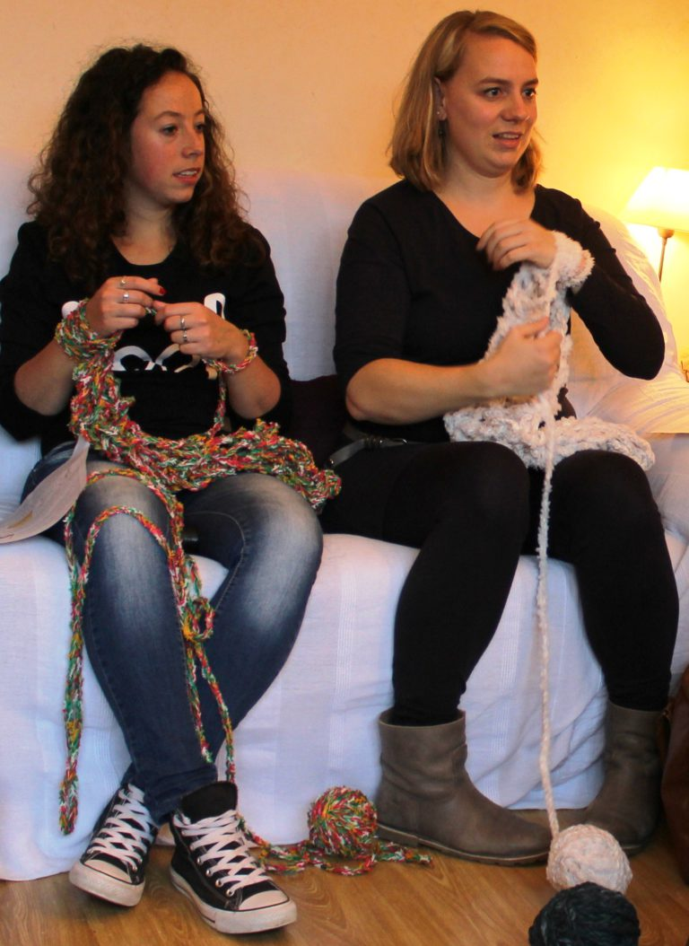 WORKSHOP ARM KNITTING